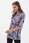 Kadın Lila Baskılı Yırtmaçlı Kısa Kollu Tişört Y20s110-3124