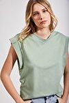 Kadın Çağla Yeşili Kolsuz Basic Örme T-Shirt Hf00135
