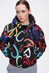 Kadın Siyah Desenli Kapşonlu Şişme Mont Y20w110-5215