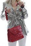 Kadın Kırmızı Kapitone Desenli Kapaklı Zincir Askılı Çanta Fb3025