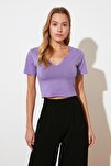 Lila Crop Yaka Detaylı Örme T-Shirt TWOSS21TS1679