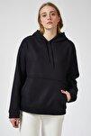 Kadın Siyah Kapüşonlu Kışlık Polar Sweatshirt ZV00047