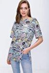 Kadın Baskılı Yırtmaçlı Kısa Kollu Tişört