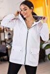 Kadın Beyaz Cepleri Çıt Çıtlı Fermuarlı  Astarsız Yağmurluk ARM-21K055002