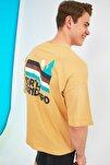 Hardal Erkek Oversize Fit Bisiklet Yaka Kısa Kollu Baskılı T-Shirt TMNSS21TS1627