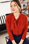 Kadın Kiremit Yakasi Bağlamali Desenli Gömlek ARM-20K001150