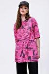 Kadın Pembe Baskılı Yırtmaçlı Kısa Kollu Tişört Y20s110-3124