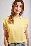 Kadın Açık Sarı Kolsuz Basic Örme T-Shirt Hf00135