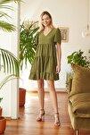 Yeşil Geniş Kesim Elbise TWOSS20EL0400