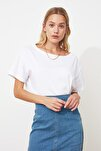 Beyaz %100 Pamuk Kayık Yaka Boyfriend Örme T-Shirt TWOSS20TS0140