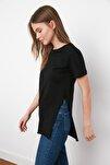 Siyah Asimetrik Boyfriend Örme T-Shirt TWOSS20TS0829