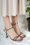 Kadın Platin Simli Topuklu Ayakkabı