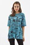 Kadın Petrol Mavisi Baskılı Yırtmaçlı Kısa Kollu Tişört Y20s110-3124