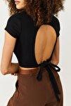 Kadın Siyah Polo Yaka Sırt Detaylı Bluz 1KZK2-11338-02