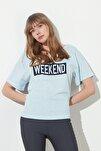 Mavi Baskılı Ön ve Arka V Yaka Boyfriend Örme T-Shirt TWOSS20TS0506
