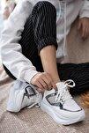 Kadın Beyaz Karen Kalın Taban Taşlı Günlük Spor Ayakkabı