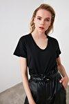 Siyah %100 Pamuk V Yaka Basic Örme T-Shirt TWOSS20TS0129