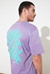 Lila Erkek Sırt Baskılı Geniş Kesim T-Shirt TMNSS20TS1036