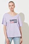 Lila Baskılı Ön ve Arka V Yaka Boyfriend Örme T-Shirt TWOSS20TS0506