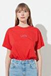 Nar Çiçeği Nakışlı Boyfriend Örme T-Shirt TWOSS20TS0228