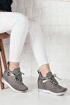 Kadın Gri Simli Yüksek Taban Gizli Topuk Spor Ayakkabı Ba20260