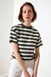 Yeşil Çizgili Basic Dik Yaka Örme T-Shirt TWOSS21TS1204