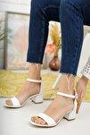 Kadın Beyaz Tek Bant Topuklu Ayakkabı
