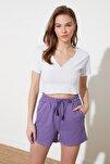 Beyaz Crop Yaka Detaylı Örme T-Shirt TWOSS21TS1679