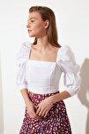 Beyaz Büzgülü Bluz TWOSS19XB0036