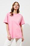 Pembe Nakışlı Boyfriend Örme T-Shirt TWOSS20TS0228