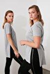 Gri V Yaka Asimetrik Örme T-Shirt TWOSS20TS0927