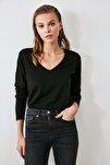 Siyah Uzun Kollu V Yaka Basic Örme T-Shirt TWOAW21TS0099