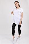 Kadın Beyaz V Yaka Yırtmaçlı Kısa Kol Pamuklu T-Shirt Mdt3025