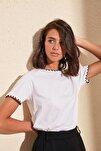 Beyaz Yakası Nakışlı Basic Örme T-shirt TWOSS19AD0085