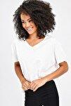 Kadın Krem V Yaka Yırtmaçlı T-Shirt 7006