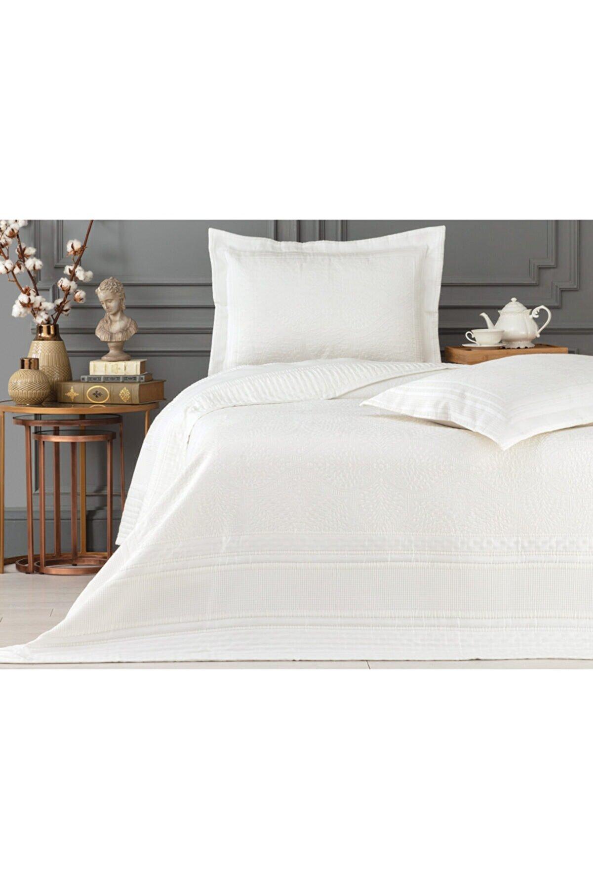 Madame Coco Matiese Çift Kişilik Yatak Örtüsü - Beyaz