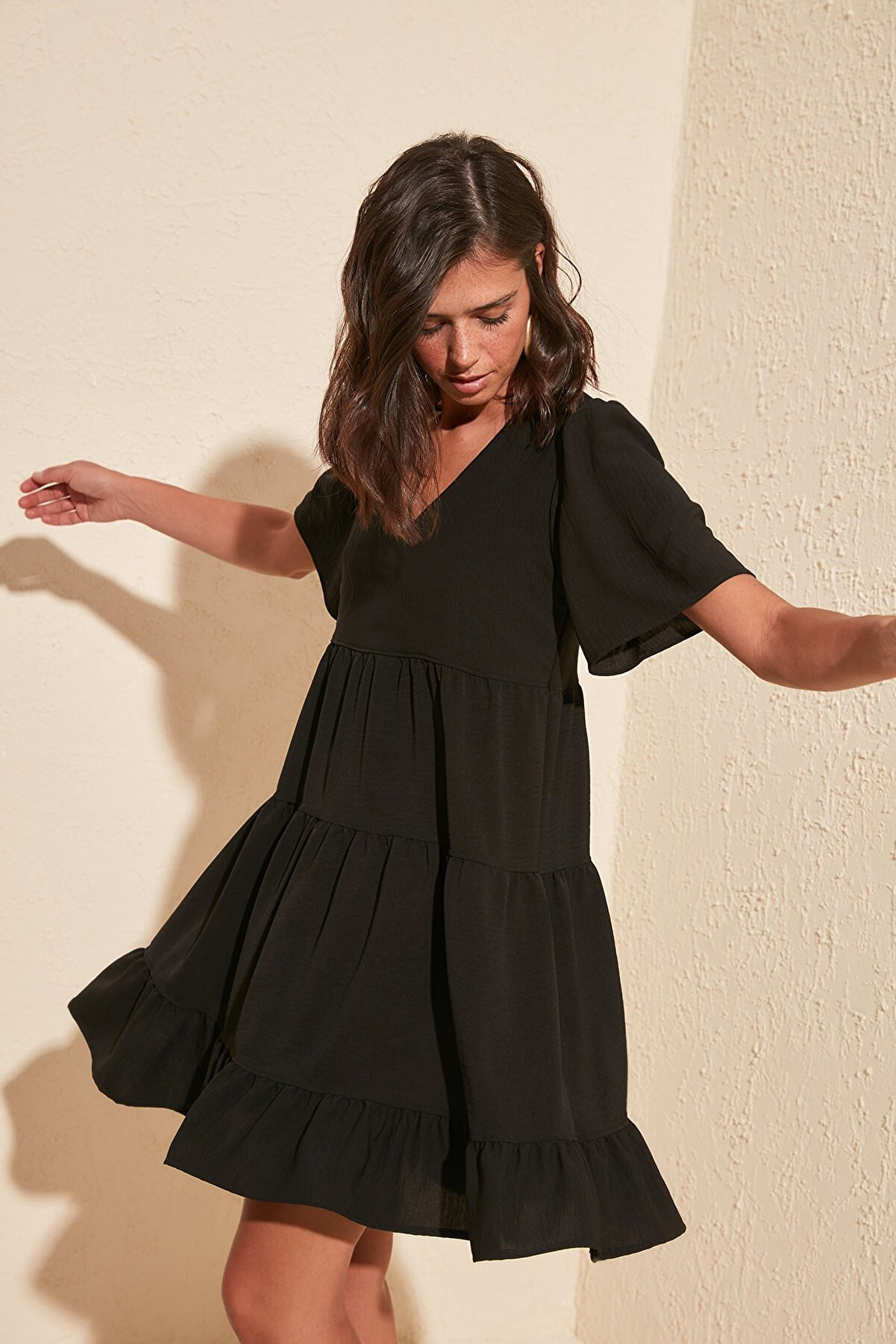 TRENDYOLMİLLA Siyah Geniş Kesim Elbise TWOSS20EL0400