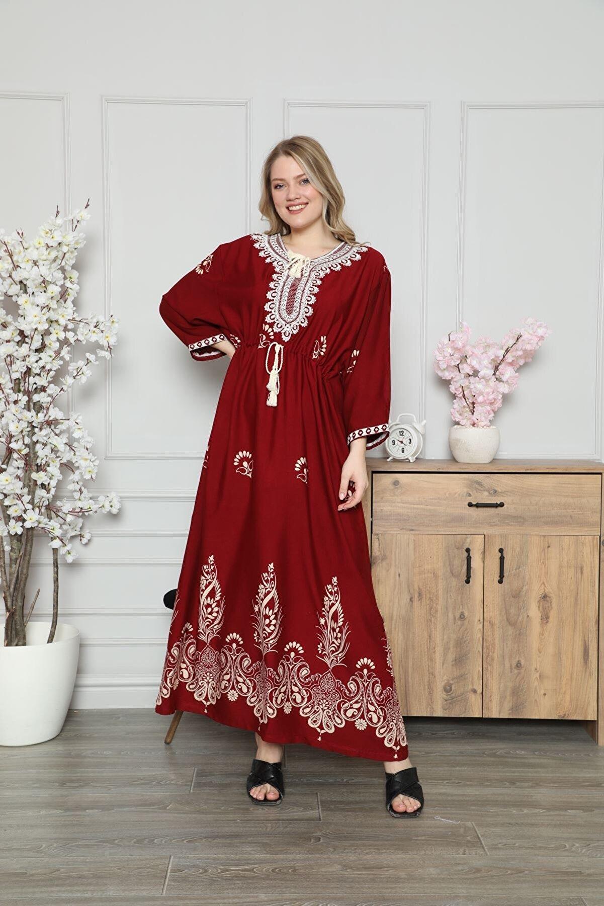 Laila Kadın Bordo Yoğun Nakış Ve Etnik Desen Baskılı Belden Büzgülü Uzun Yazlık Pamuk Elbise