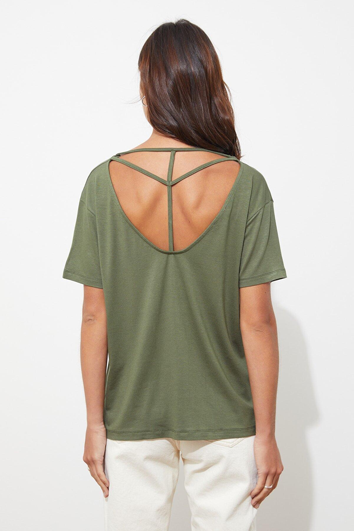 TRENDYOLMİLLA Haki Biye Detaylı Basic Örme T-Shirt TWOSS20TS0881