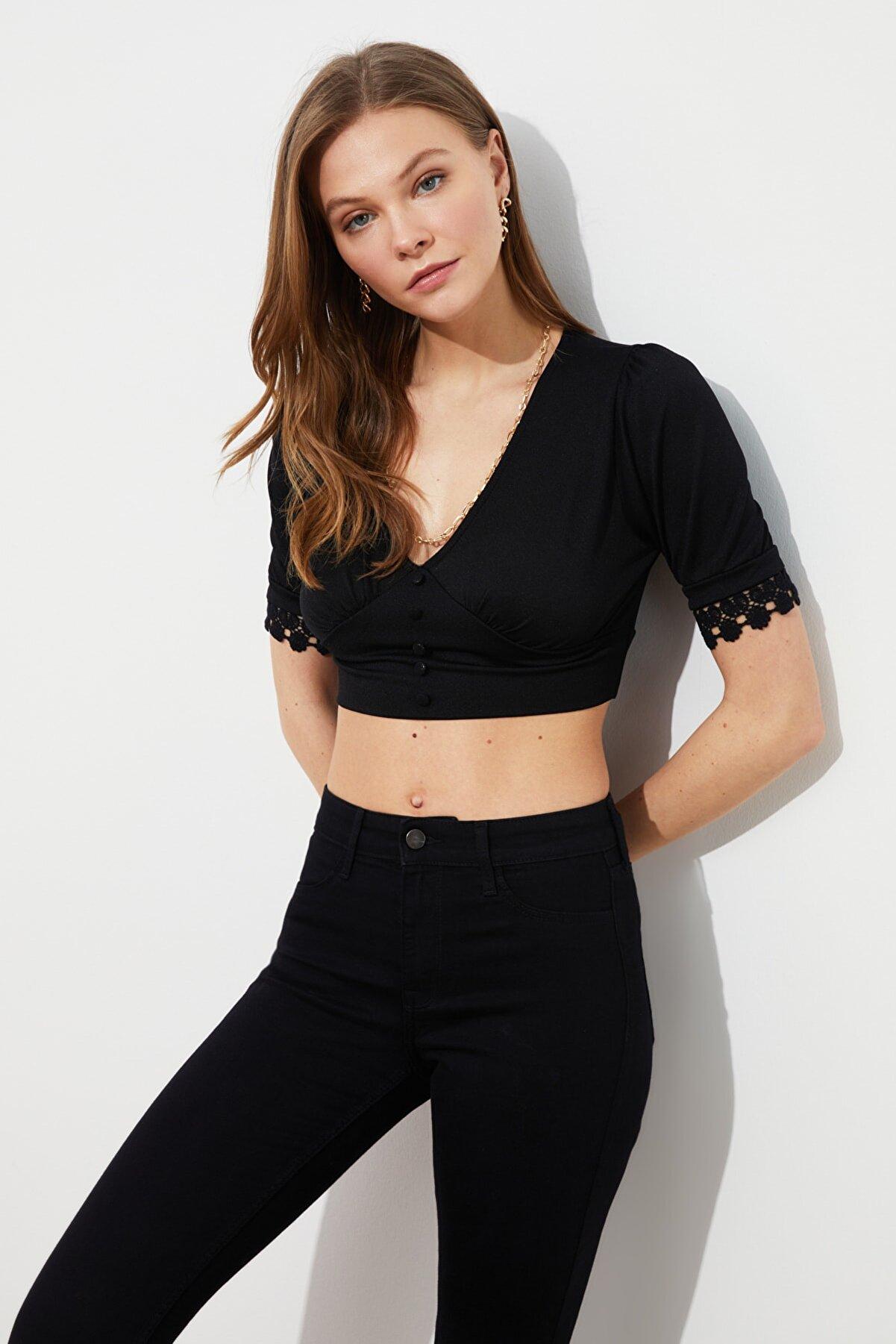 TRENDYOLMİLLA Siyah Krep Örme Bluz TWOSS21BZ1820