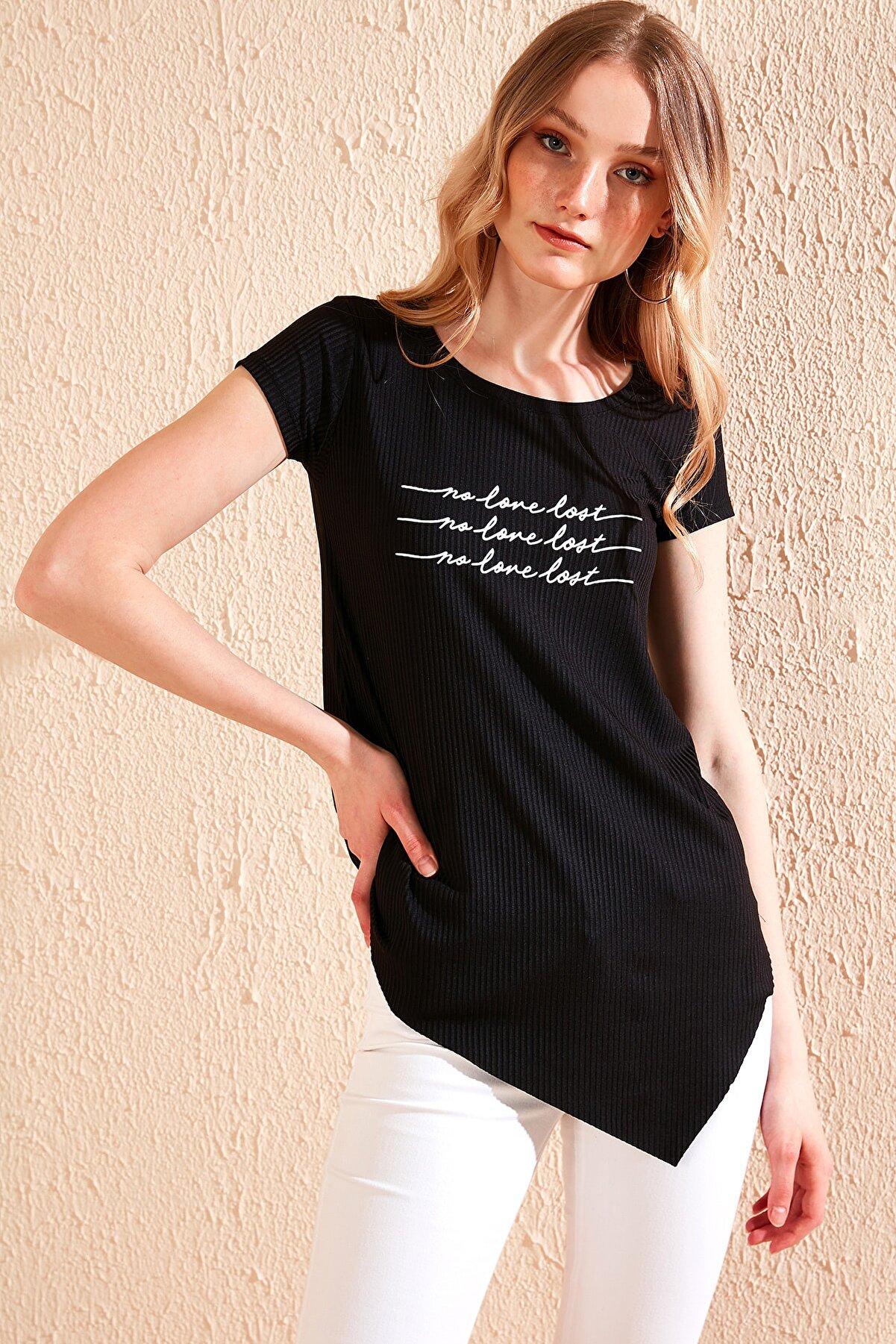 Lela Kadın Siyah Yazı Baskılı Asimetrik Kesim Bisiklet Yaka T Shirt 5863680
