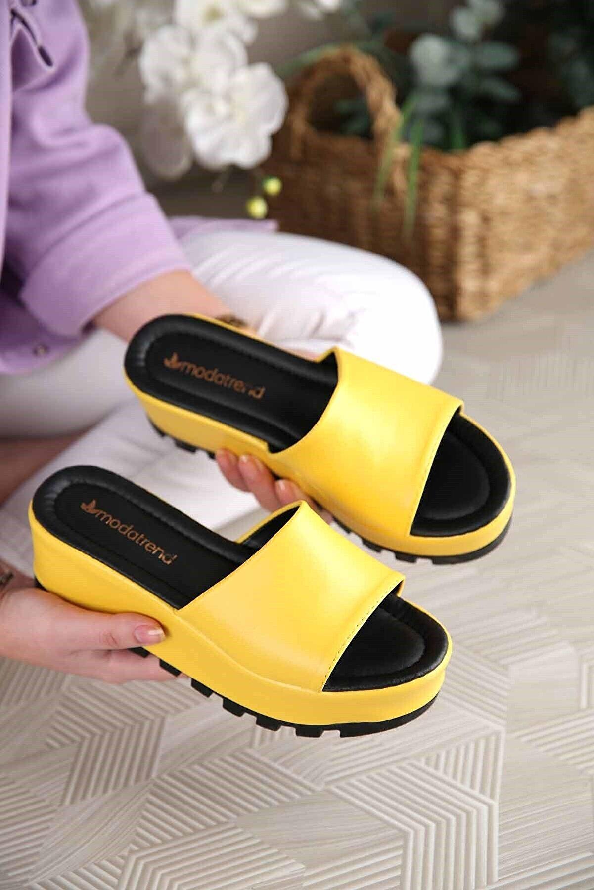 Ccway Kadın Sarı Cilt Dolgulu Terlik