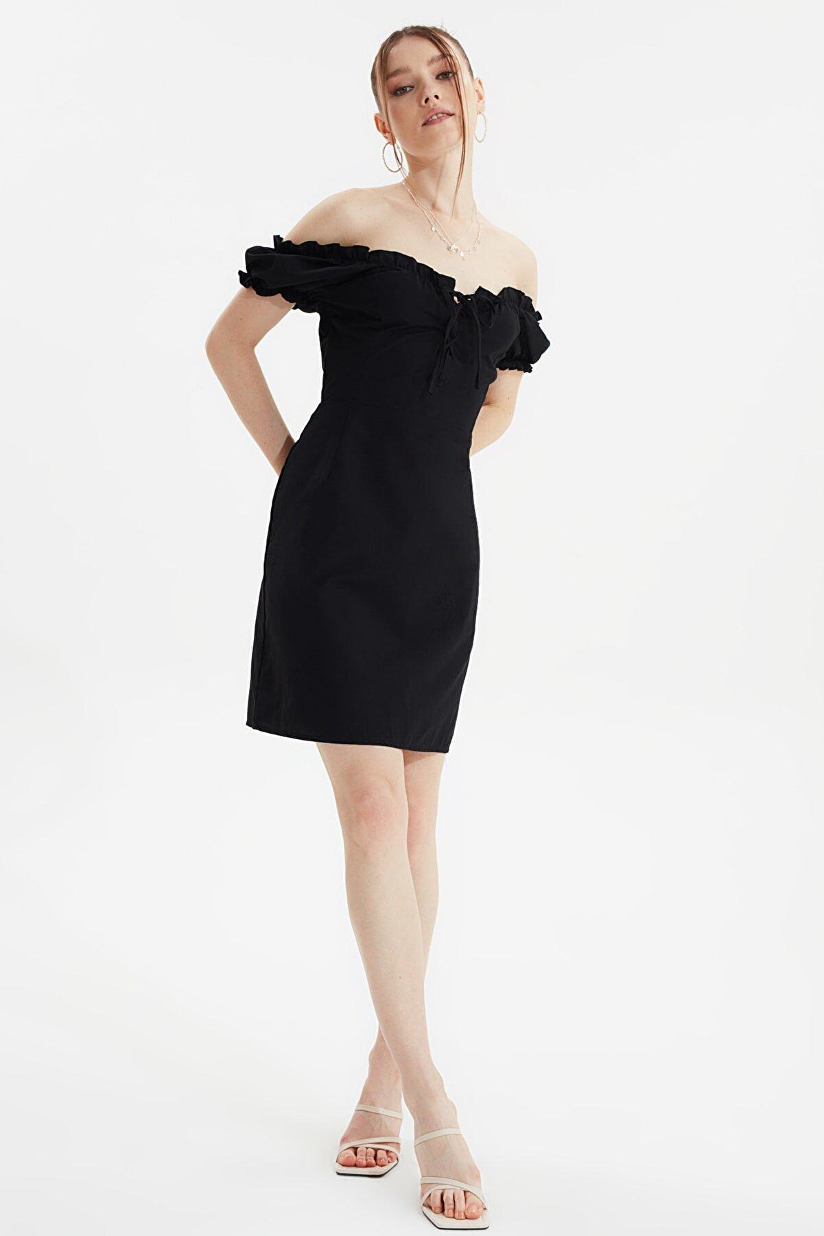 TRENDYOLMİLLA Siyah Bağlama Detaylı Poplin Elbise TWOSS20EL2206