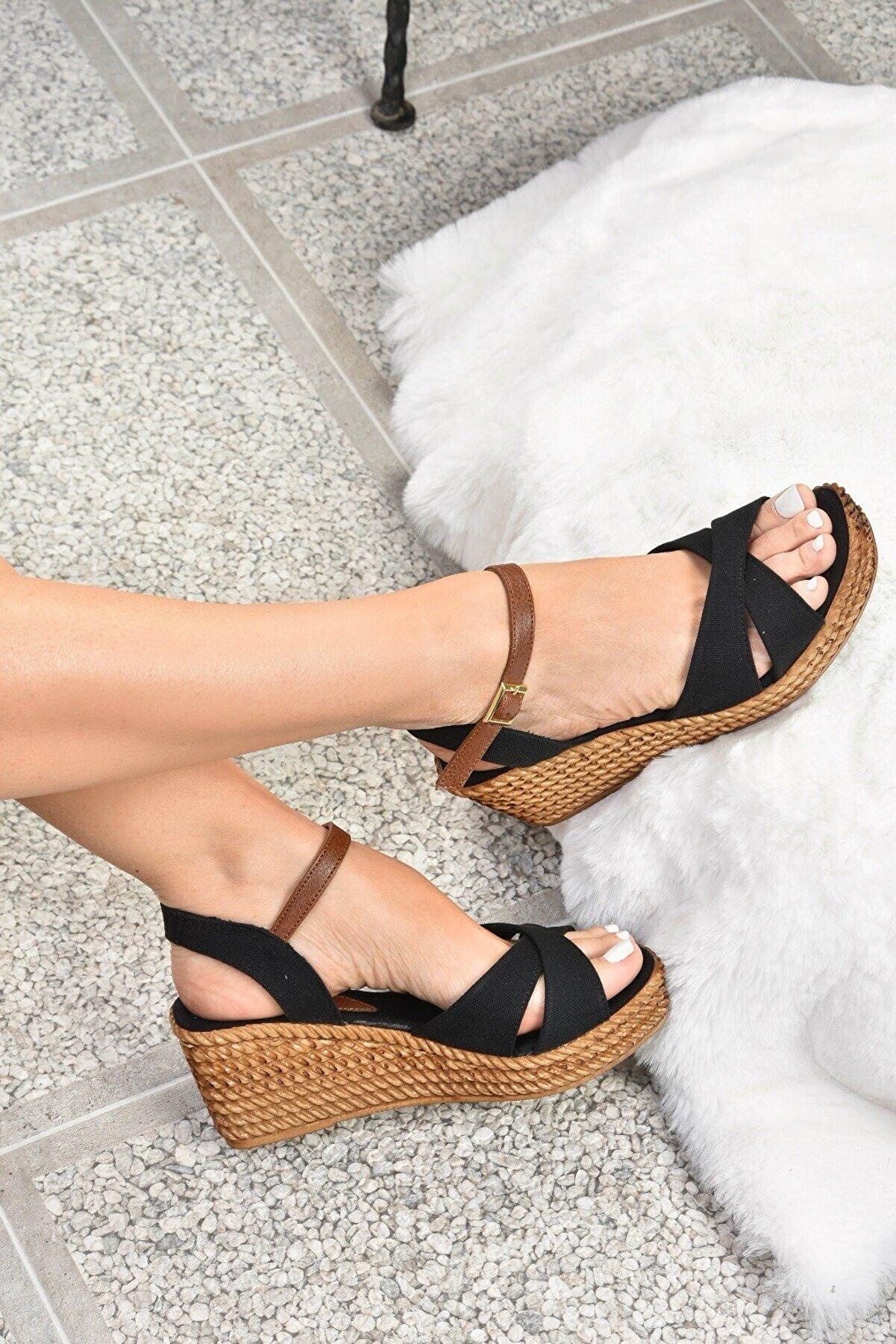Fox Shoes Kadın Siyah Keten Dolgu Topuklu Ayakkabı