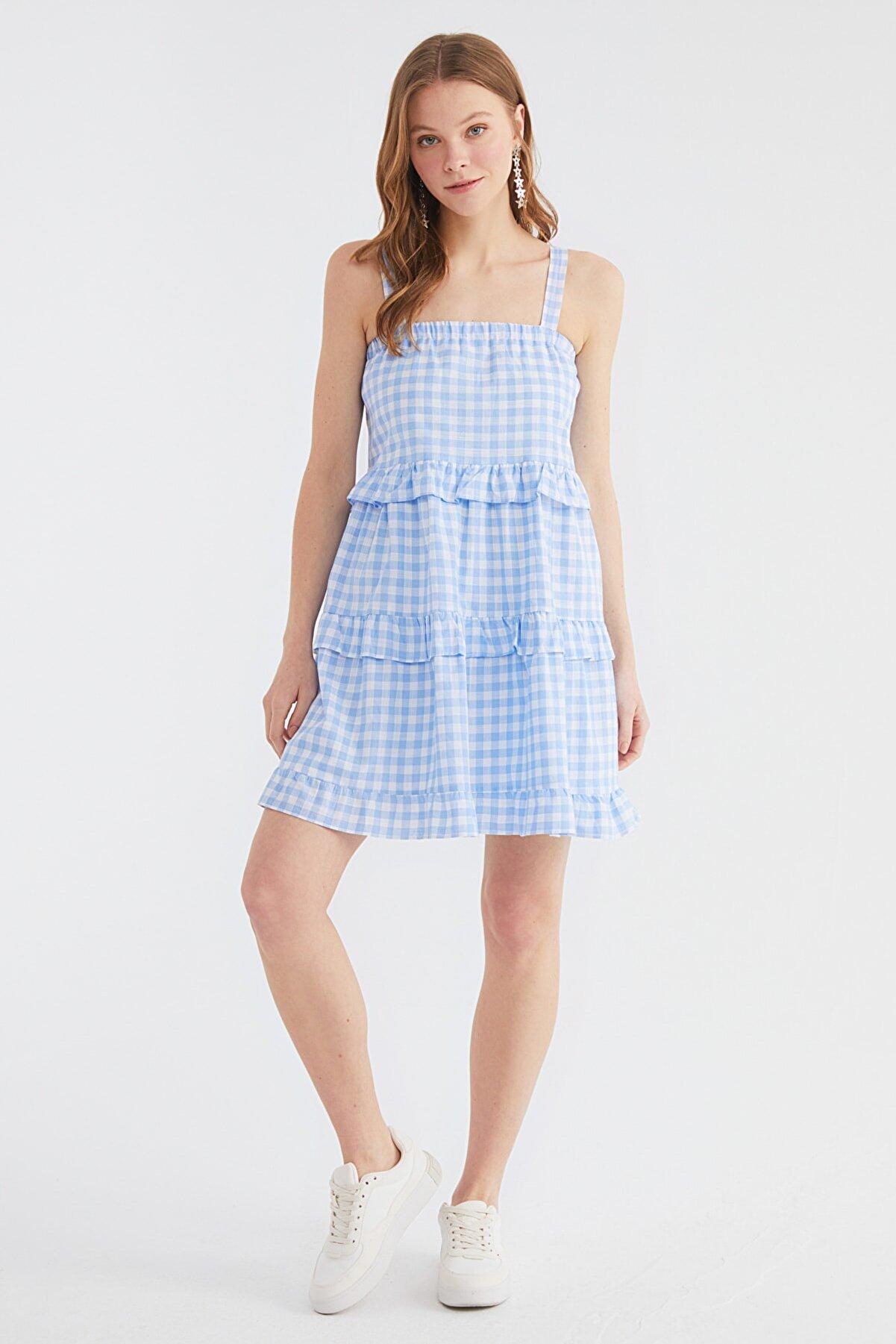 TRENDYOLMİLLA Mavi Kareli Volanlı Elbise TWOSS21EL3240