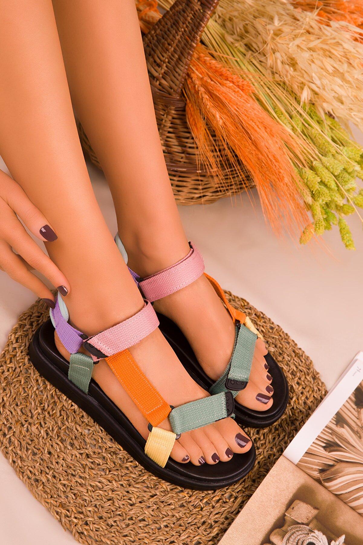 Soho Exclusive Siyah-Turuncu-Pudra Kadın Sandalet 16288
