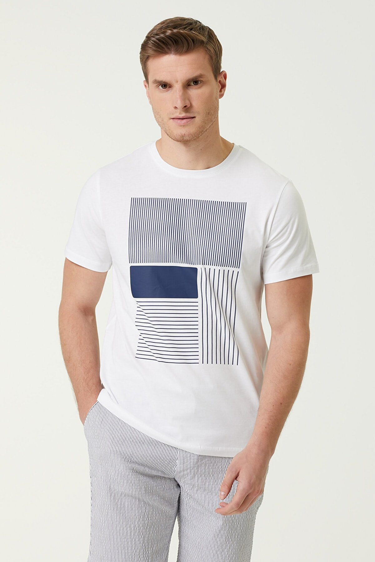 Network Erkek Slim Fit Beyaz Şerit Baskılı T-shirt 1078296