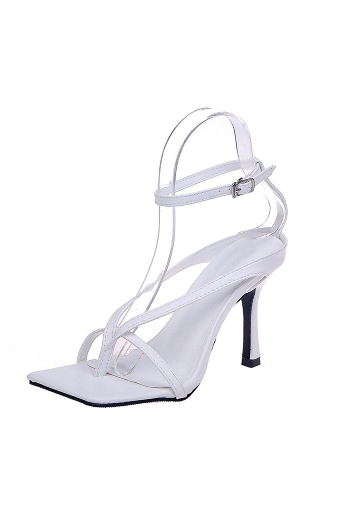TrendyAnka Kadın Beyaz 10cm Topuklu Küt Kare Burunlu Parmak Arası Tokalı Ayakkabı Sandalet Terlik