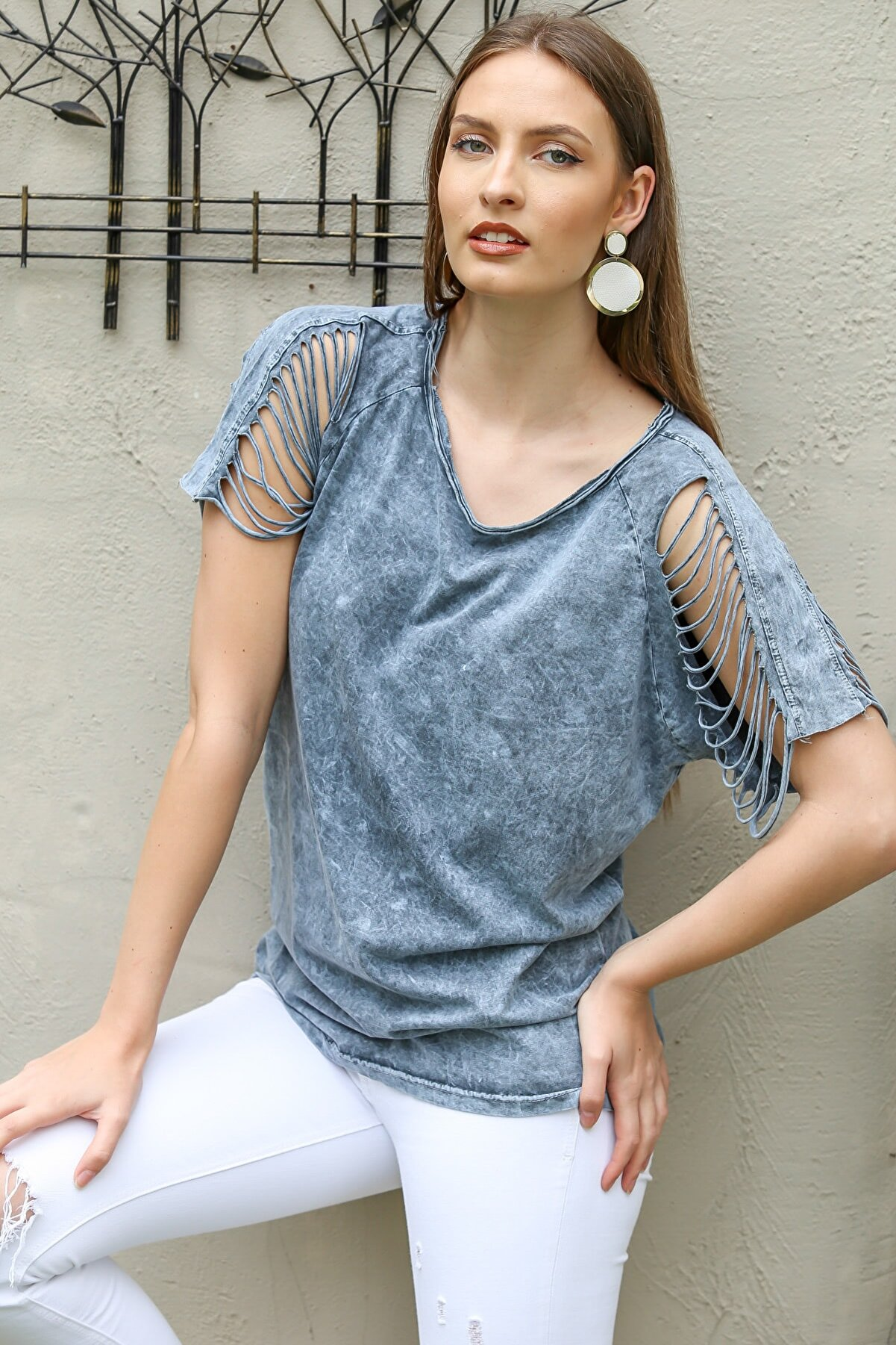 Chiccy Kadın Gri Omuzları Lazer Kesim Detaylı Yıkamalı T-Shirt M10010300TS98224