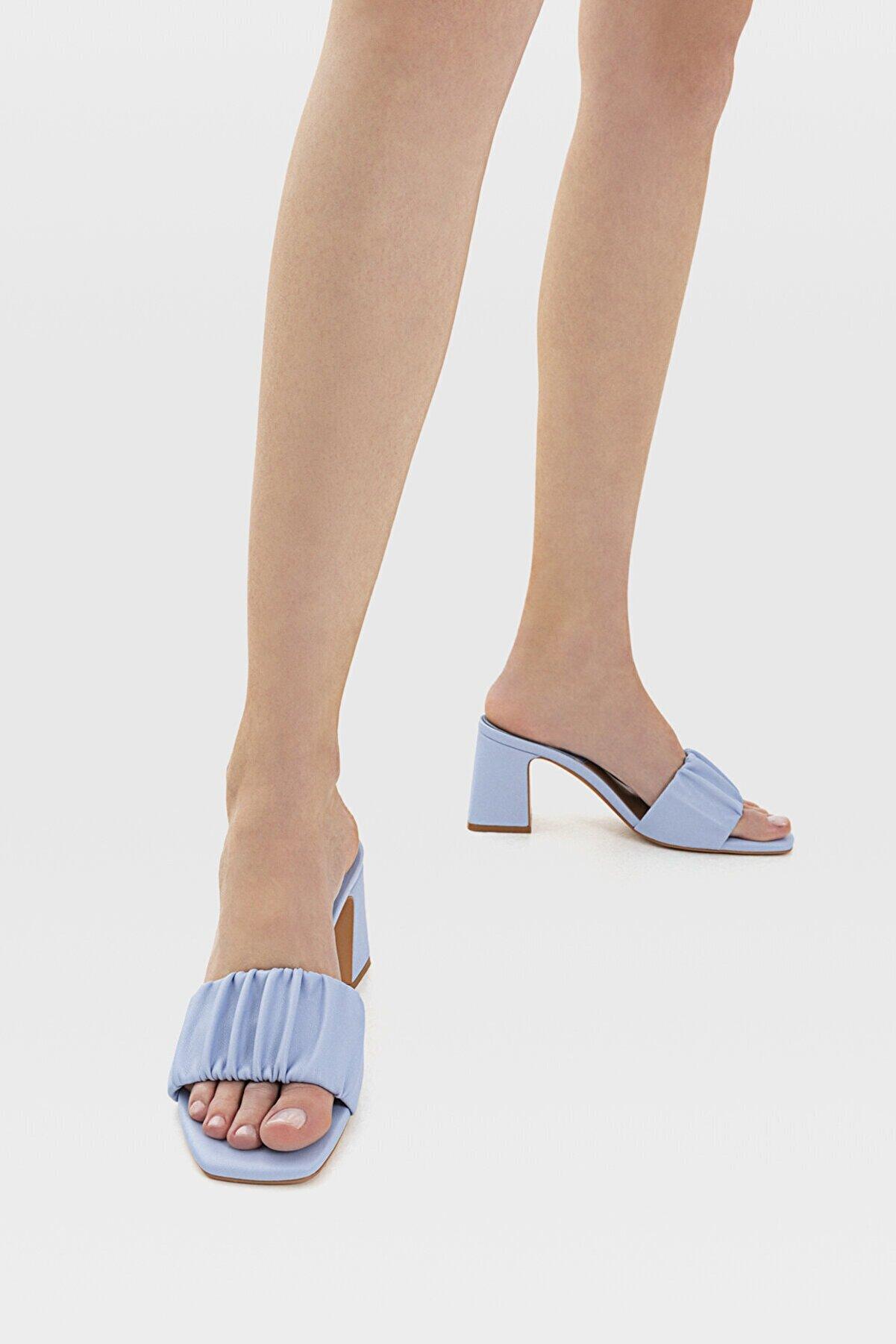 Stradivarius Kadın Mavi Büzgülü Bantlı Topuklu Sandalet